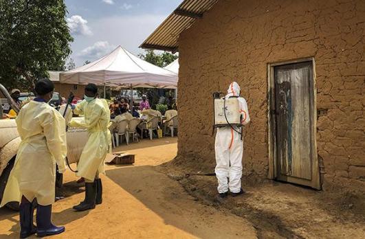 """刚果(金)埃博拉疫情十个月""""无停止迹象""""近1400人死亡"""