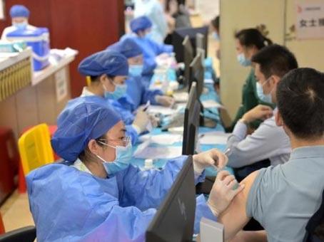 卫健委:既往新冠肺炎病毒感染者可在半年后接种1剂疫苗